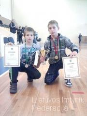Dmitrijus Parachelašvilis (dešinėje) ir Segejus Kolodinas