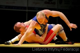 Mindaugas Ežerskis atakuoja Davidą Valą (Čekija)