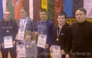 iš kairės: Remigijus Zablockis, Rytis Bugajecas, Tomas Gumuliauskas, Valdas Platkovskis, treneris Vladimiras Audickas; priekyje Rokas Čepauskas