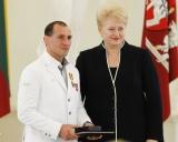 Treneris Ruslanas Vartanovas ir prezidentė Dalia Grybauskaitė