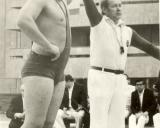 4. P. Abelkis – tarptautinės kategorijos teisėjas. 1973m. Luganske (Ukraina) po finalinės Sovietų sąjungos graikų-romėnų čempionato sunkiasvorių kovos P. Abelkis kelia nugalėtojo (olimpinio čempiono) A. Kolčinskio ranką