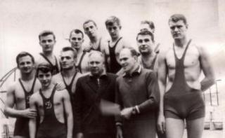 Albertas Rimkus (pirmas iš dešinės) su komandos draugais