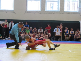 Vaikų imtynių čempionato Kupiškyje akimirka