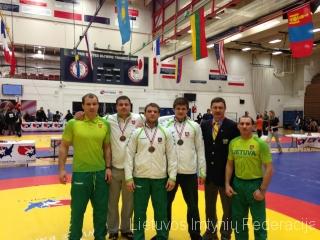 iš kairės: Mindaugas Ežerskis, Mindaugas Mizgaitis, Aleksandras Kazakevičius, Vilius Laurinaitis, teisėjas Evaldas Malelė, treneris Ruslanas Vartanovas