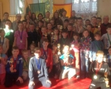 Nuotraukoje imtynininkai po apdovanojimo su Anykščių imtynių veteranais ir Europos bronzos medalio laimėtoju Ramūnu Dagiu.