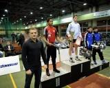 Svorio kategorijos iki 55 kilogramų nugalėtojus ir prizininkus sveikina olimpinių žaidynių prizininkas Aleksandras Kazakevičius. I v. - Kristupas Šleiva (LTU), II v. Sebastian Aak (NOR), III v. - Islomdžonas Bachramovas ir Sobirdžnas Kazakbajevas (abu iš Uzbekistano)