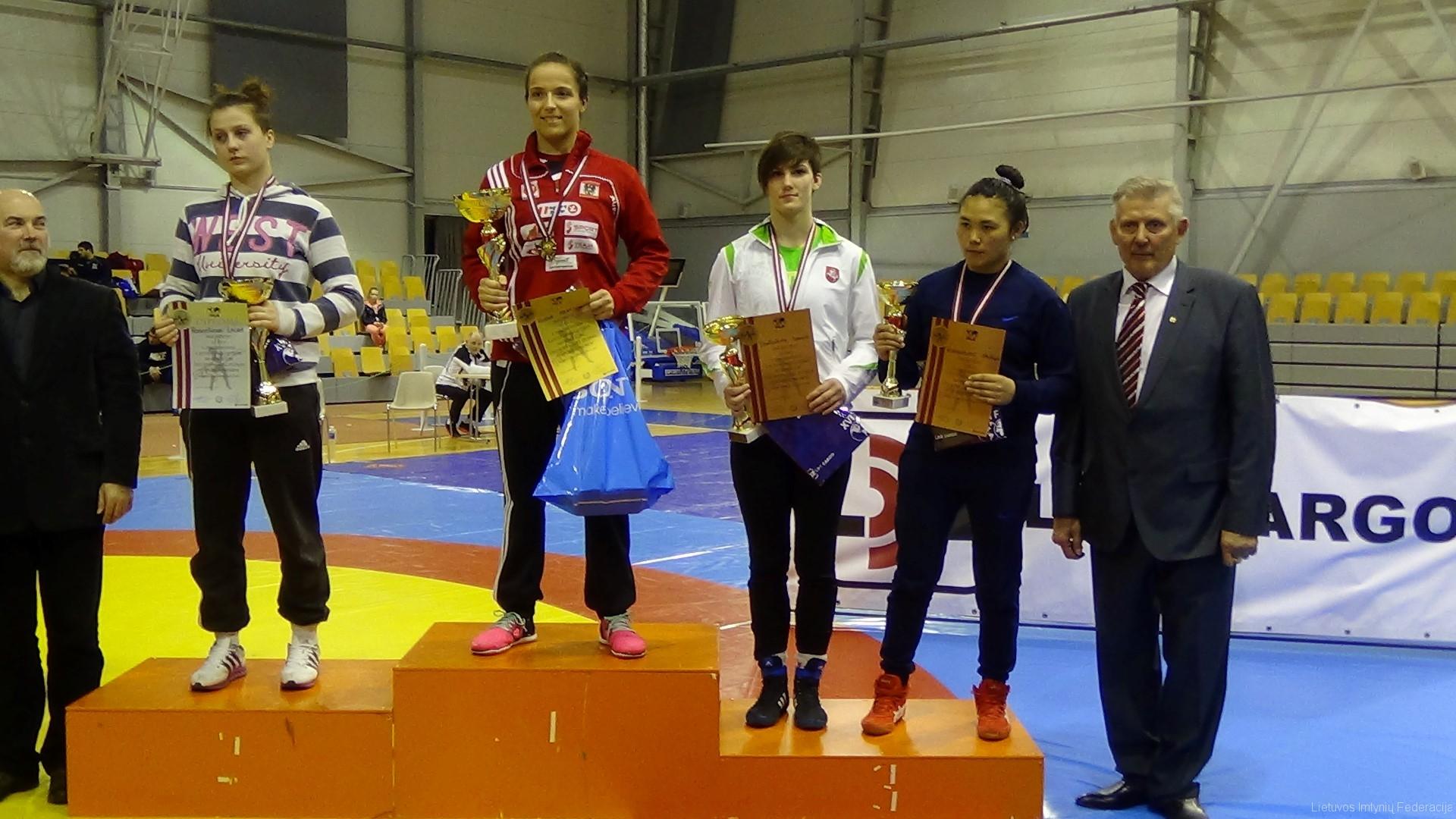 D.Domikaitytei (balta apranga) - bronzos medalis