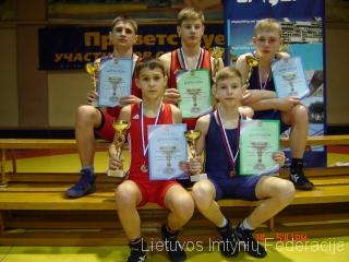 Pirmoje eilėje: V.Babuškinas, D.Pečiulis; antroje eilėje: L.Urbonas, R.Timinskas, K.Drobatas