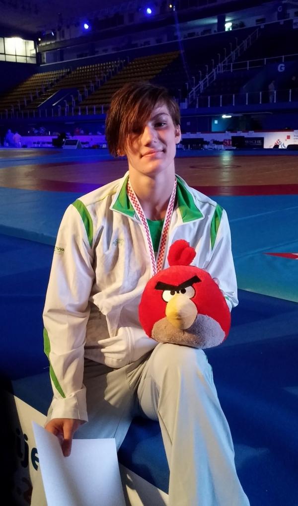 Danutė Domikaitytė po pasaulio jaunimo imtynių čempionato apdovanojimo ceremonijos