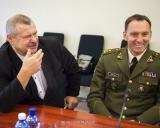 V.Mizgaitis (kairėje)