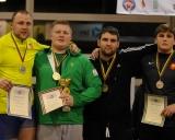125 kg iš kairės: Tomas Pakutinskas (II v.), Jonas Rudavičius (I v.), Igoris Fiodorovas ir Arnas Abromavičius (III v.)