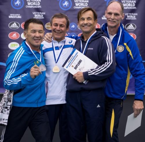 iš kairės: Muchtaras Ussinas (II vieta; KAZ), Georgi Hristovas (I vieta; BUL), Nikolajus Ilkevičius (III vieta, LTU) ir Hansas Lindahlis (III vieta; SWE)
