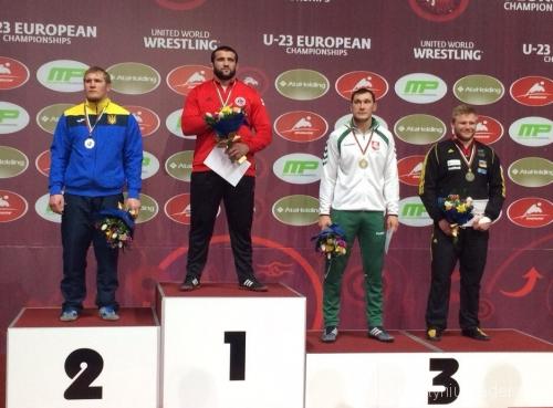 Mantas Knystautas (šviesi apranga) - bronzos medalio laimėtojas