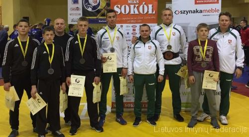 Lietuvos komandos prizininkai po tarptautinio turnyro Radome