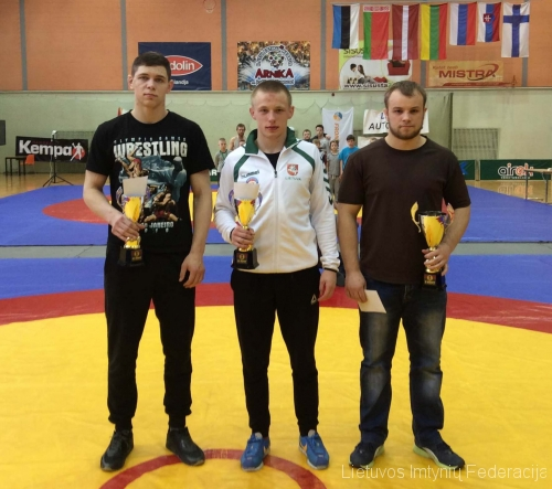 iš kairės: Domantas Pauliuščenko, Nikita Gerasimovas, Mantas Kairys