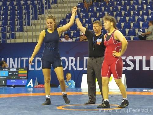 Auksė Rutkauskaitė nugalėjo Kazachstano imtynininkę