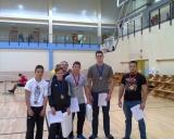 Nuotraukoje iš kairės: Paulius Ponelis, Martynas Muižys, treneris Rytis Keršys, Ignas Paulavičius, Šarūnas Gulbinas, Benas Keršys.