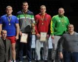 Svorio kategorija iki 130 kg. Iš kairės: Marijus Grygelis (II vieta), Mantas Knystautas (I vieta), Erikas Čerepokas ir Artūras Jankauskas (abu III vieta). Pirmoje eilėje Vidmantas Žibutis ir Mindaugas Mizgaitis