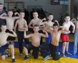 2013 m. V.Venckaitis su vaikų grupe treniruotėje