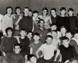 1974 m. Pirma imtynių grupė Klaipėdoje. Viduryje treneris Julius Malelė. Evaldas Malelė stovi trečias iš dešinės