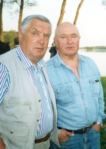 Du nenuilstantys Anykščiųkrašto imtynių puoselėtojai Jonas Pajarskas (kairėje) ir Stasys Bradauskas