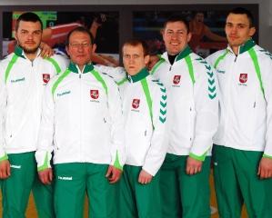 Laisvųjų imtynių komanda (iš kairės): Mindaugas Rumbutis, treneris Sergejus Kasimovas, Šarūnas Jurčys, Simas Asačiovas, Giedrius Morkis
