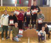 Sostinės jaunieji imtynininkai šeimininkavo Latvijoje