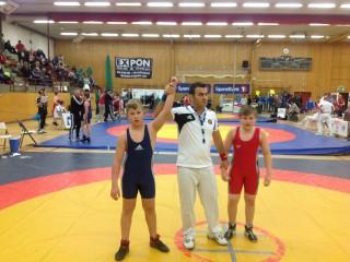 Imtynininkui Damianui Matveiko viešnagę vikingų šalyje primins auksinis trofėjus. R.Čepauskas iškovojo bronzą