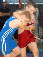 Tarptautiniame imtynių turnyre Klaipėdoje penkių šalių imtynininkai paminėjo kariuomenės ir visuomenės dieną