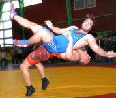 Anykščiuose paaiškėjo jaunių imtynių čempionato nugalėtojai ir prizininkai (rezultatai; nuotraukos)