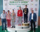 Tarptautinio moterų imtynių turnyro Šiauliuose nugalėtojomis tapo V. Danisevičiūtė ir G.Dilytė