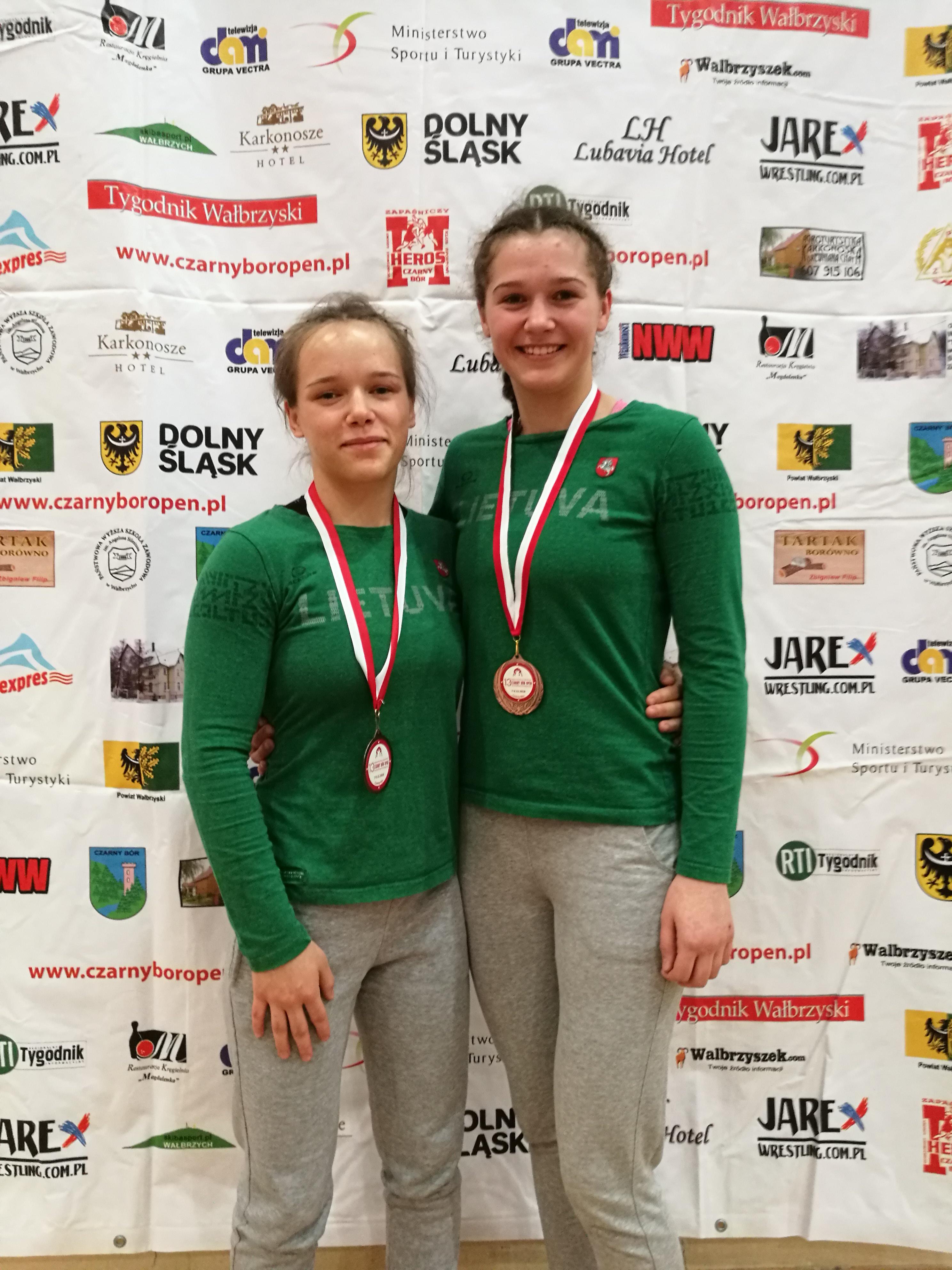Šiaulių gimnazistės imtynių turnyre Lenkijoje iškovojo du medalius