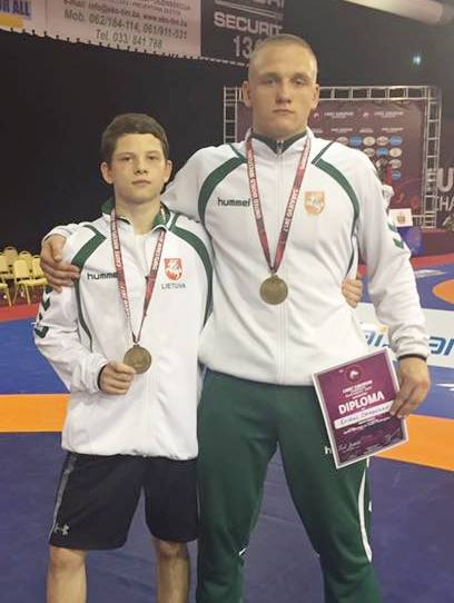 Vilius Savickas ir Erikas Čerepokas – Europos jaunių imtynių čempionato prizininkai!