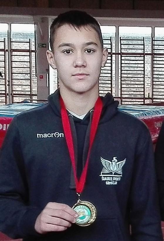 """Jaunieji """"laisvūnai"""" augina sparnus – iš imtynių turnyro Baltarusijoje su septyniais medaliais"""