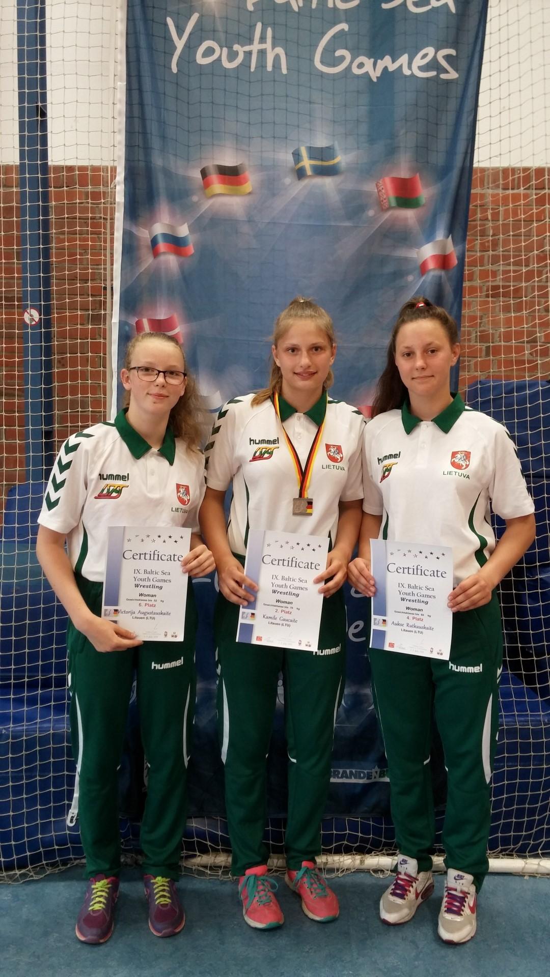 """Baltijos jūros šalių jaunių sporto žaidynių """"sidabrą"""" iškovojo imtynininkė K.Gaučaitė"""